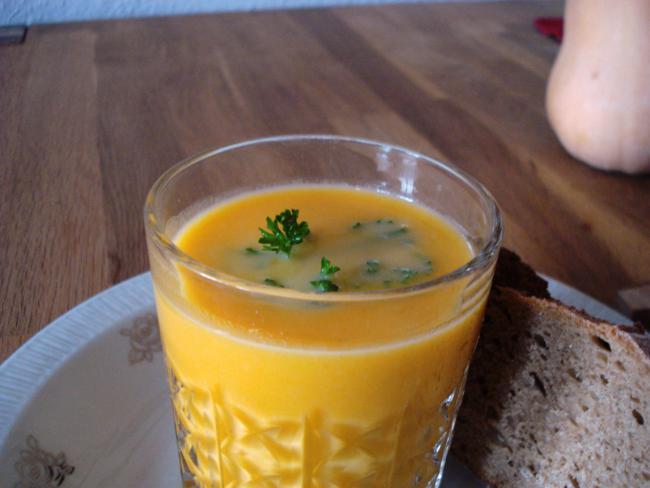 Einfache Kürbissuppe mit Sahne
