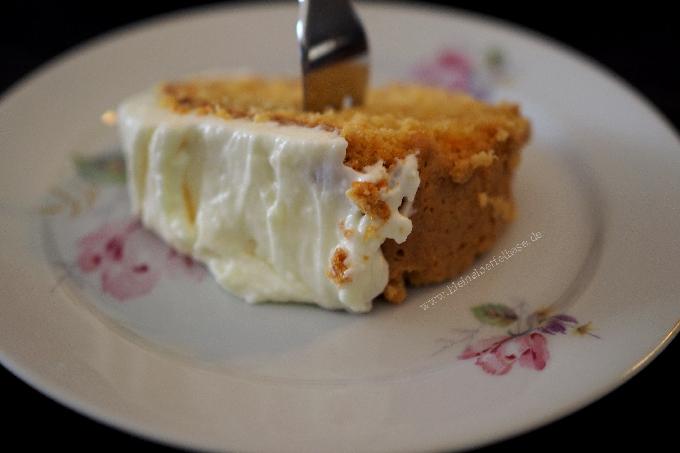 Möhrenkuchen: Ein saftiger Karottenkuchen mit Frischkäse-Frosting
