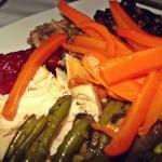 Der Thanksgiving-Truthahn mit Beilagen
