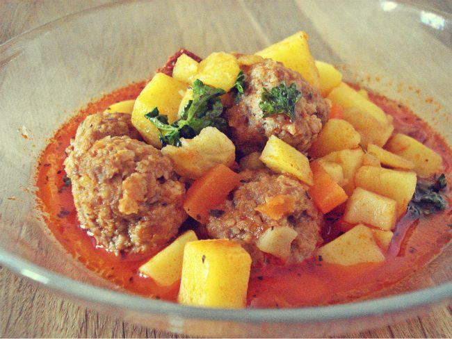 Kartoffelsuppe mal anders! Mit Hackbällchen, Chorizo und Tomaten