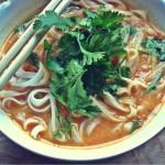 Apfel-Paprika-Suppe auf asiatisch