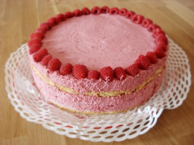 himbeertorte-sahne-rezept-naked-cake