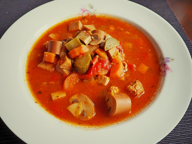 soljanka_vegan_tofu_seitan
