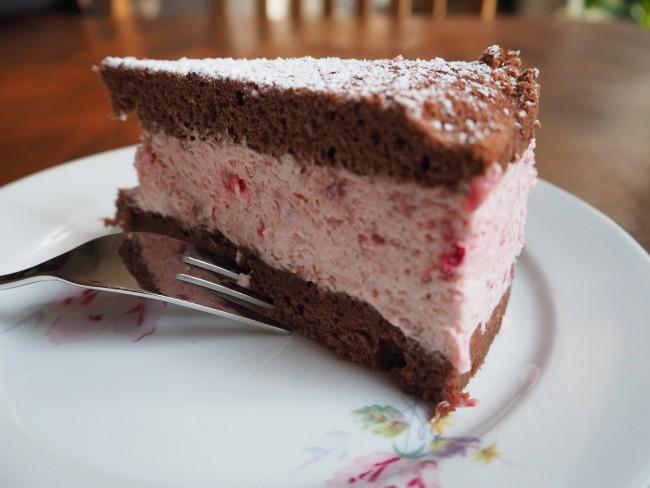 Erdbeertorte mit Schokobiskuit: Bald ist Erdbeer-Saison!