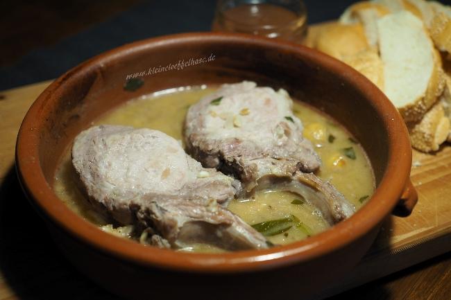 Salbei-Kotelett vom Schwein geschmort in Fino