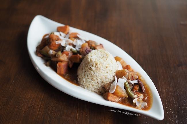 Vegan kochen: Süßkartoffel-Curry mit Panangpaste & Zimt
