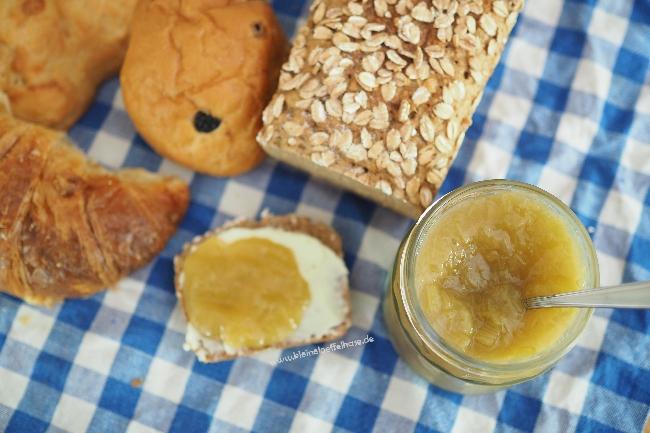 Rhabarbermarmelade mit Ingwer & Zitronengras