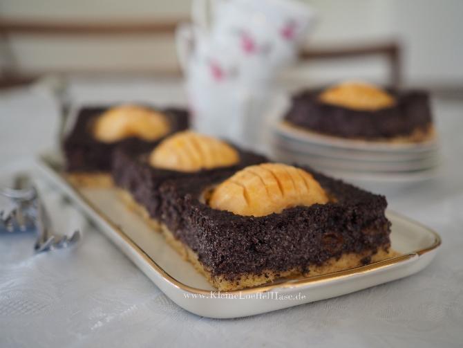 """Apfel- Mohnkuchen auf dem Blech mit selbstgemachtem """"Mohnback"""""""