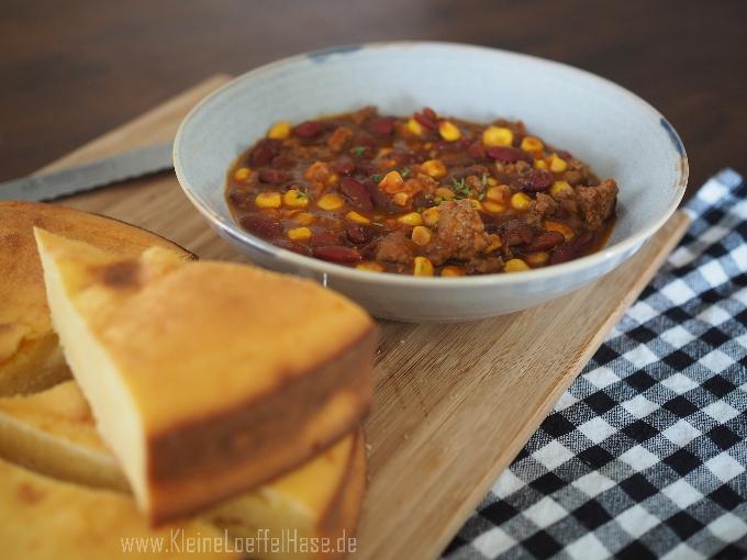 Maisbrot nur mit Maismehl nach Südstaaten-Art zu Chili con Carne