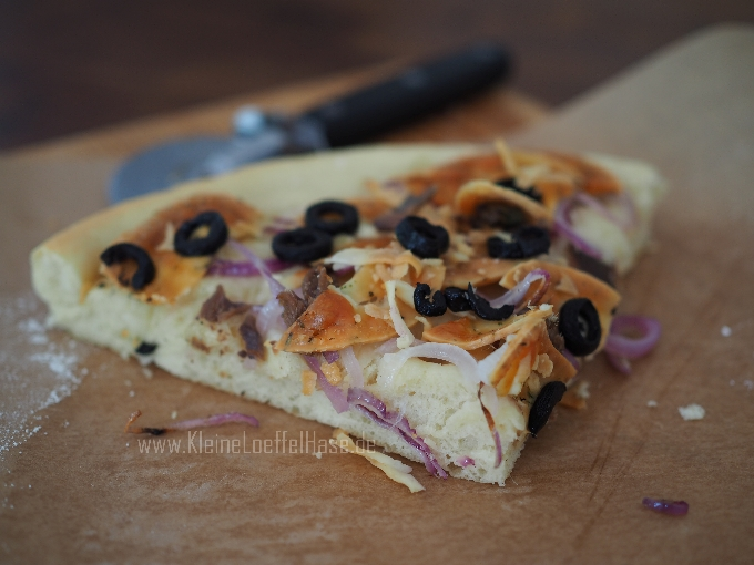 sfinciuni-sizilianische-pizza-rezept-sardellen-pecorino