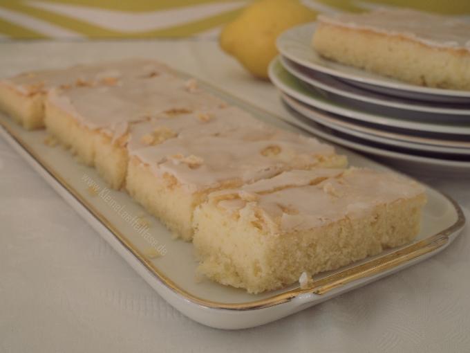 Saftiger Zitronenkuchen vom Blech {100% natürliche Zutaten}
